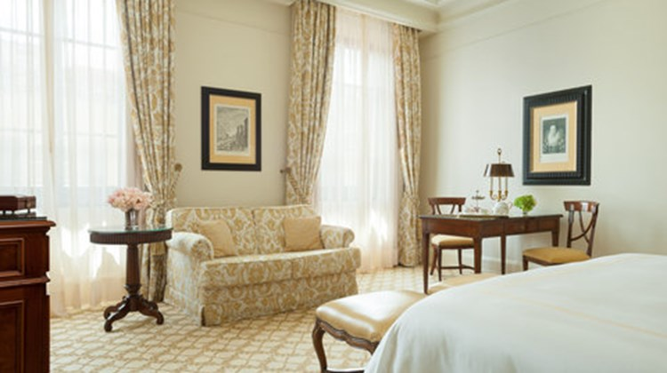 Four Seasons Hotel Florence Room