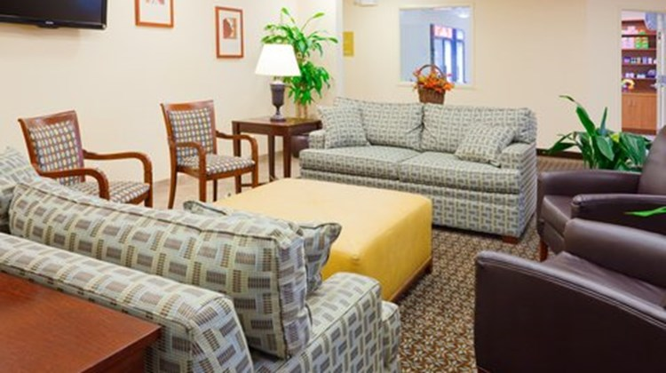 Candlewood Suites New Bern Lobby