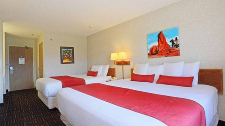 Red Sands Hotel Room