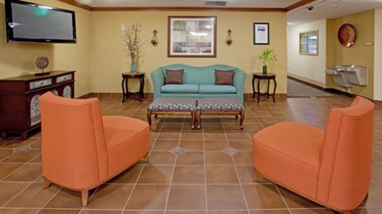 Candlewood Suites Colonial Heights Lobby