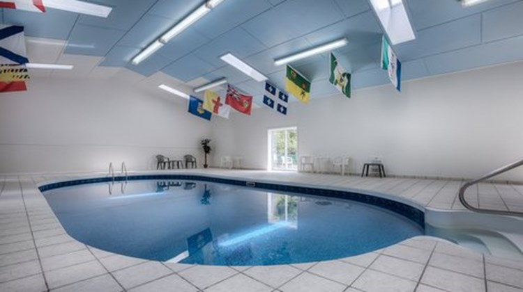 Canadas Best Value Inn Pool