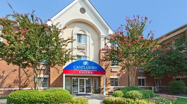 Candlewood Suites University Exterior