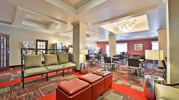 Holiday Inn Express and Suites Utica Restaurant