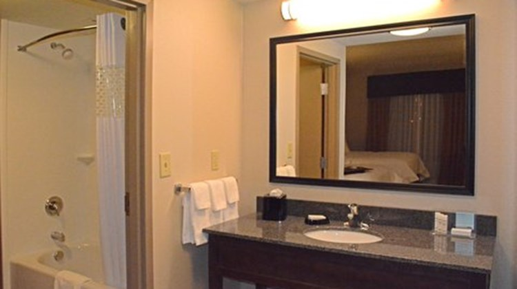Hampton Inn Butler Suite