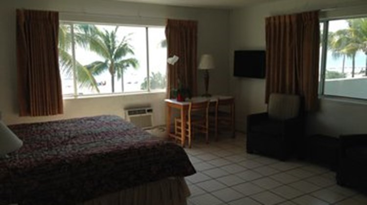 3 Palms Beach Plaza, Ft Lauderdale Room