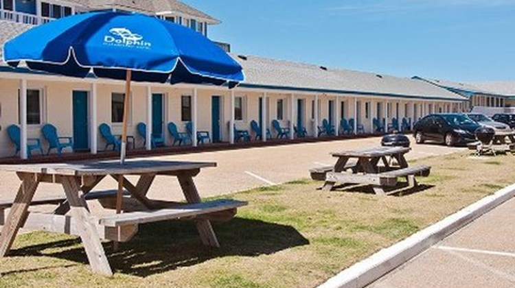Dolphin Oceanfront Motel Exterior