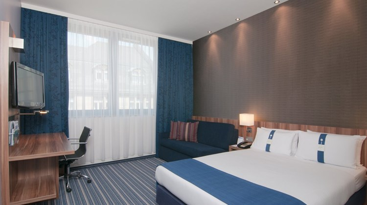 Holiday Inn Express City Hauptbahnhof Room