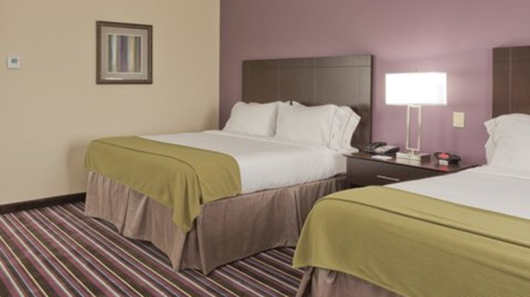 Holiday Inn Express Suites Raceland Room