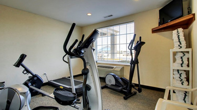 Oak Hill Inn & Suites Health Club