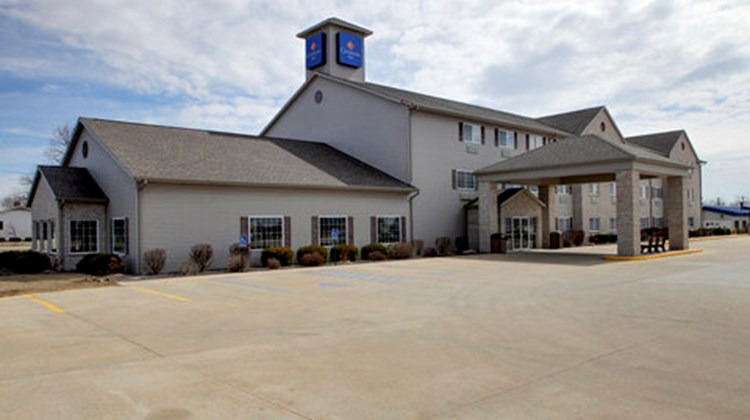 Oak Hill Inn & Suites Exterior