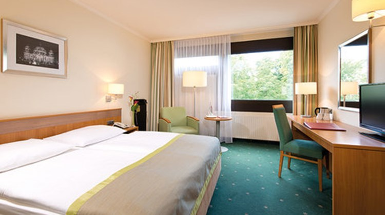 Leonardo Hotel Berlin City West Room