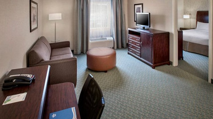 Fairfield Inn & Suites Lenox Room