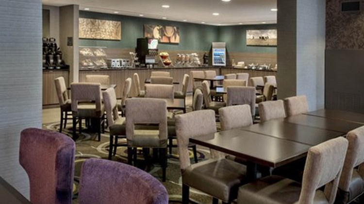 Fairfield Inn & Suites Lenox Restaurant