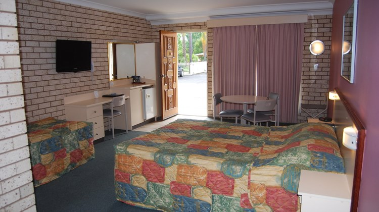 The Aberdeen Motel Room