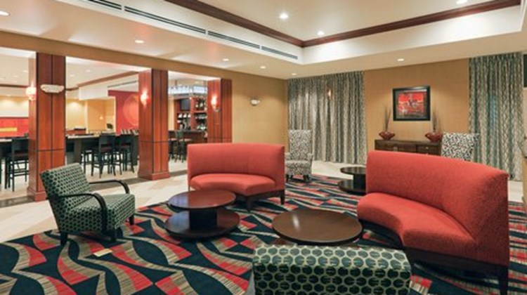Holiday Inn Hotel & Suites Lima Lobby