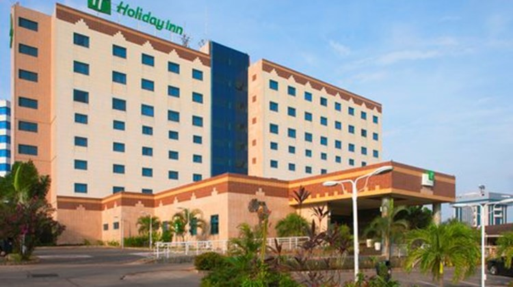 Holiday Inn Airport Exterior