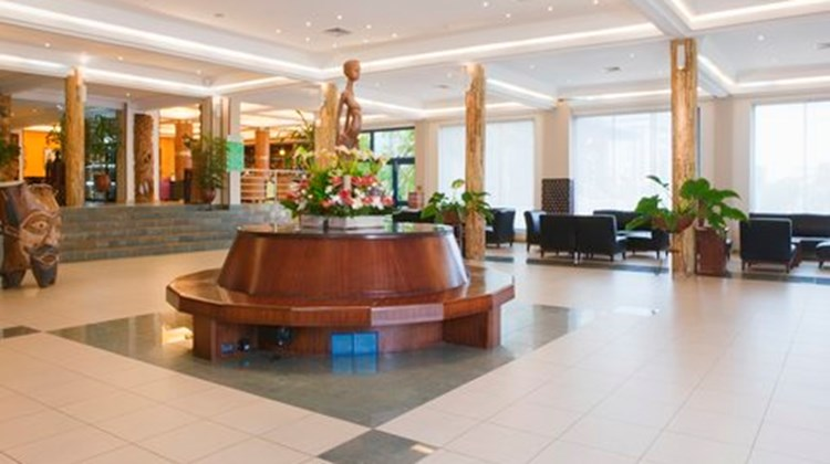 Holiday Inn Airport Lobby