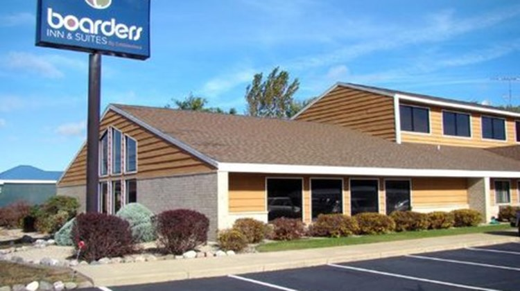 Boarders Inn & Suites by Cobblestone Exterior
