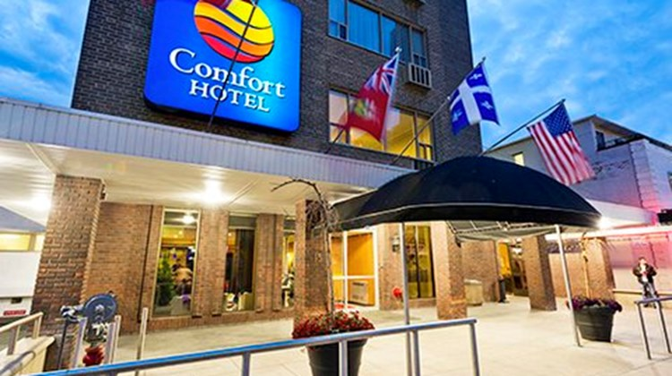 Comfort Hotel Downtown Exterior