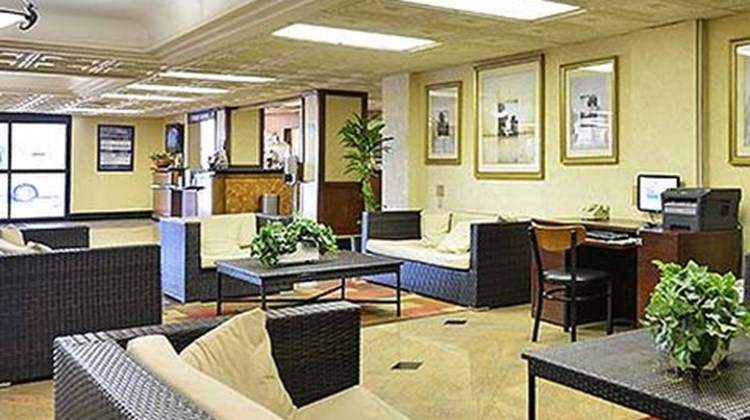 Parkside Hotel And Suites Lobby