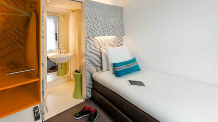Ibis Styles Amsterdam Central Station Room