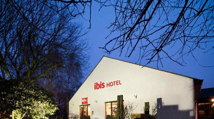 Ibis Hotel South Exterior