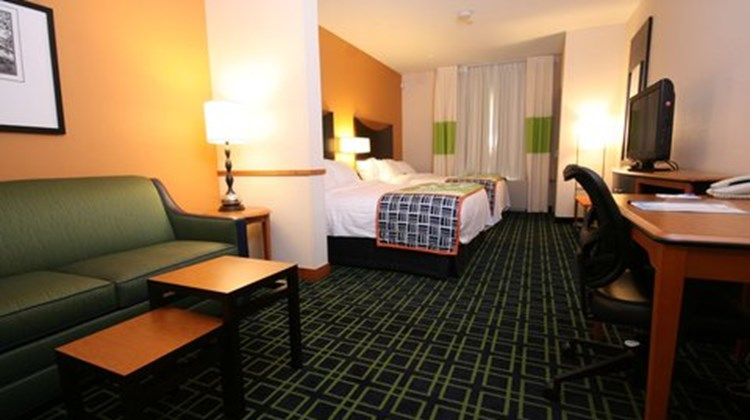 Fairfield Inn & Suites Room