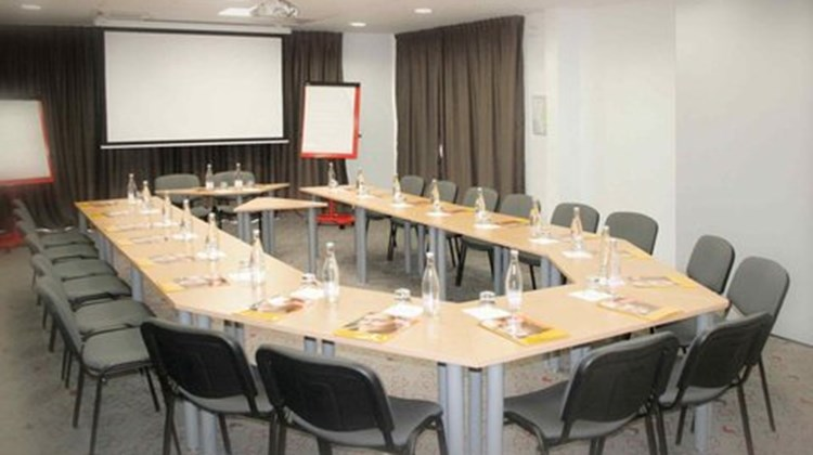 Ibis Istres Trigance Meeting