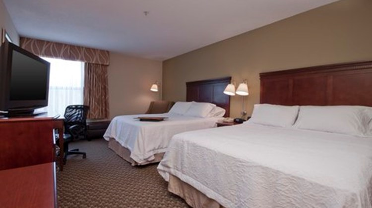 Hampton Inn East Lansing Room