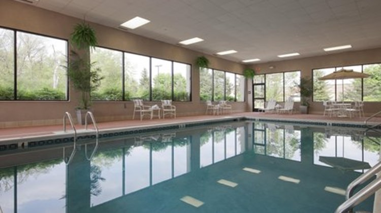 Hampton Inn East Lansing Pool