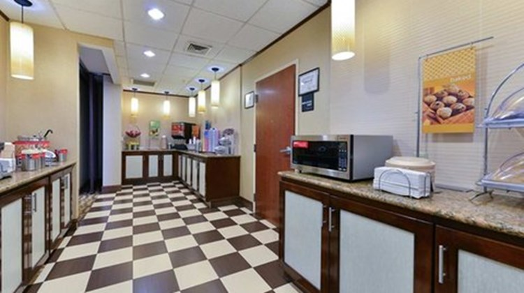 Hampton Inn Linden Restaurant