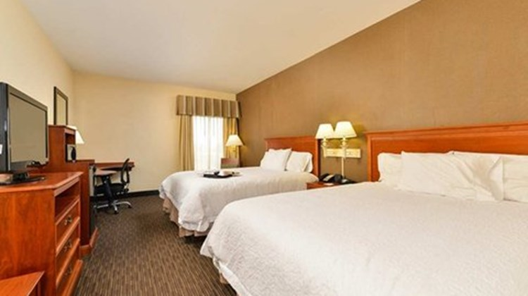 Hampton Inn Linden Room