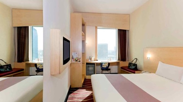 Ibis Sharq Room