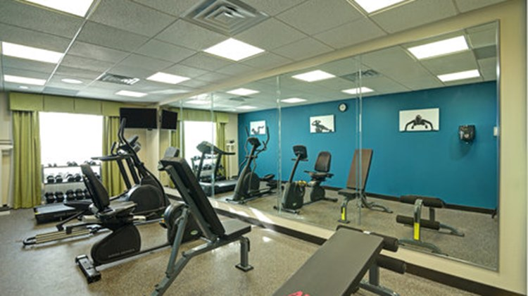 Holiday Inn Express Brookhollow Health Club