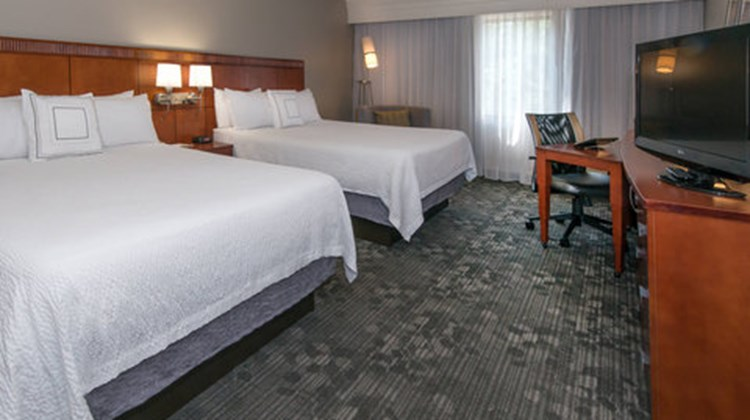 Courtyard by Marriott Room