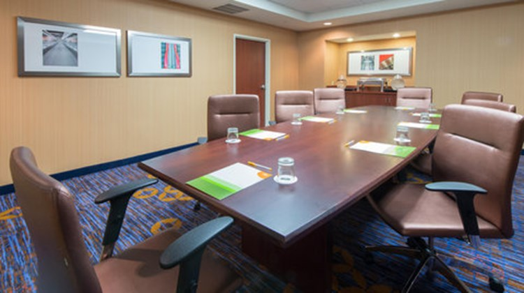 Courtyard by Marriott Meeting