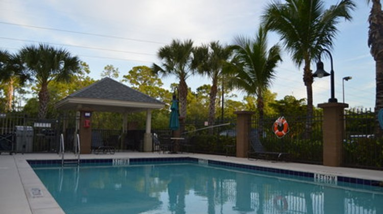 Candlewood Suites Ft Myers Northwest Pool