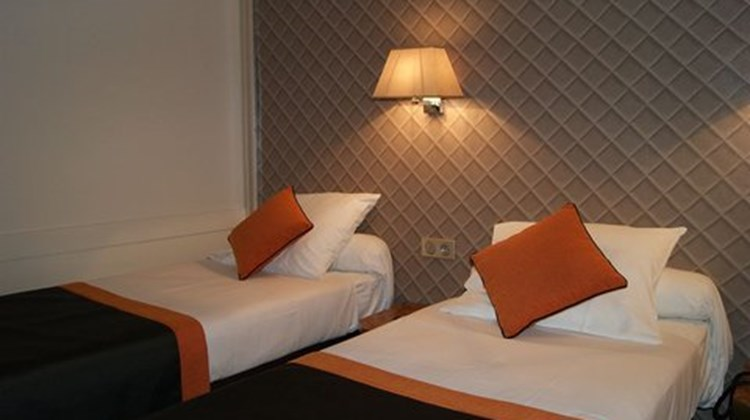 D'Amiens Hotel Room