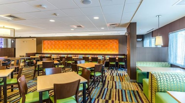 Fairfield Inn & Suites Panama City Beach Restaurant
