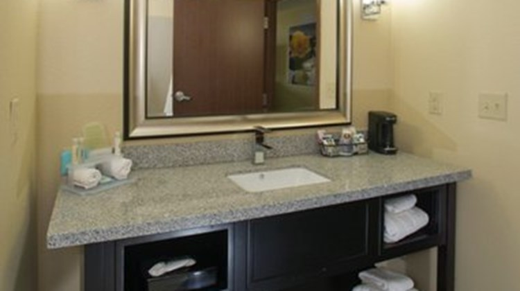 Holiday Inn Express & Suites Morrilton Room