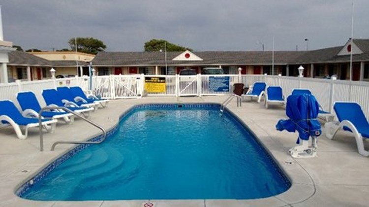 Passport Inn Pool