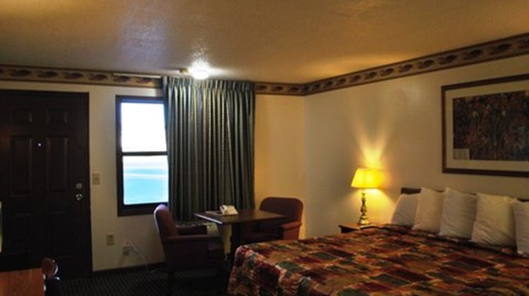 Scottish Inn Calhoun Room