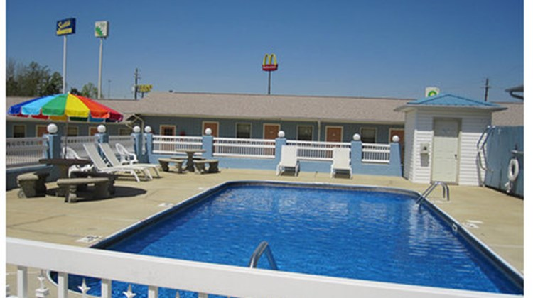 Scottish Inn Pool