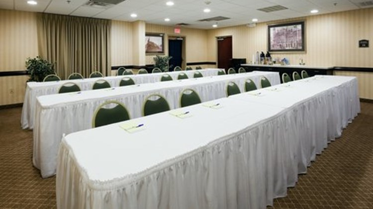 Holiday Inn Express & Suites Gadsden W Meeting