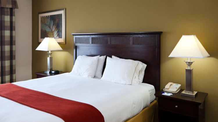 Holiday Inn Express & Suites Gadsden W Room