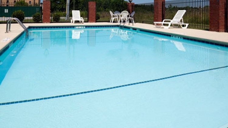 Holiday Inn Express & Suites Gadsden W Pool