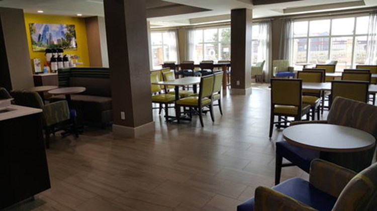 Holiday Inn Express & Suites Pearland Restaurant