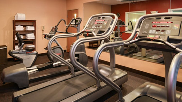 Holiday Inn Express & Suites Lancaster Health Club