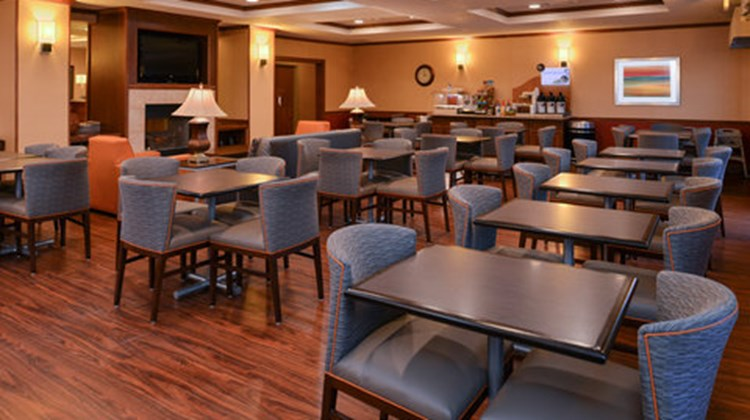 Holiday Inn Express & Suites Lancaster Restaurant