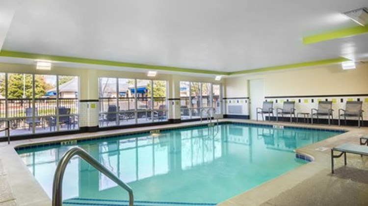 Fairfield Inn & Suites Augusta Health Club